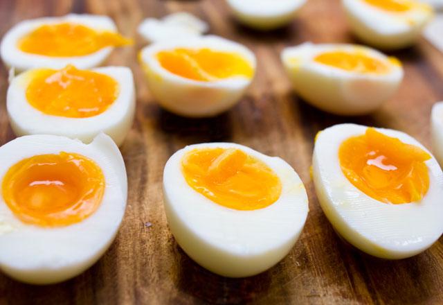 bebekler-icin-yumurtanin-sarisi-mi-beyazi-mi-faydalari-8642698